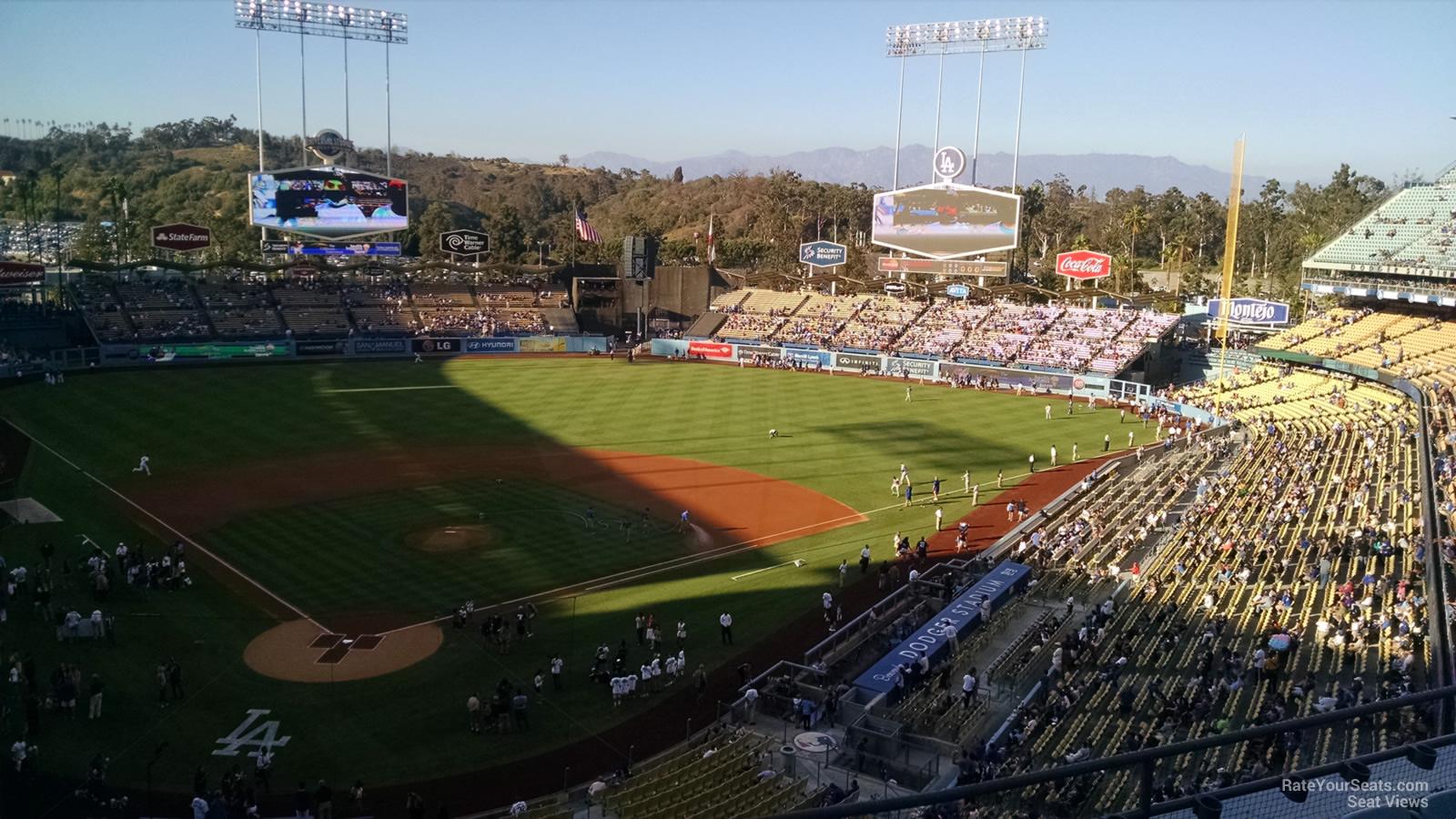 Dodger Stadium Infield Reserve 4 - RateYourSeats.com