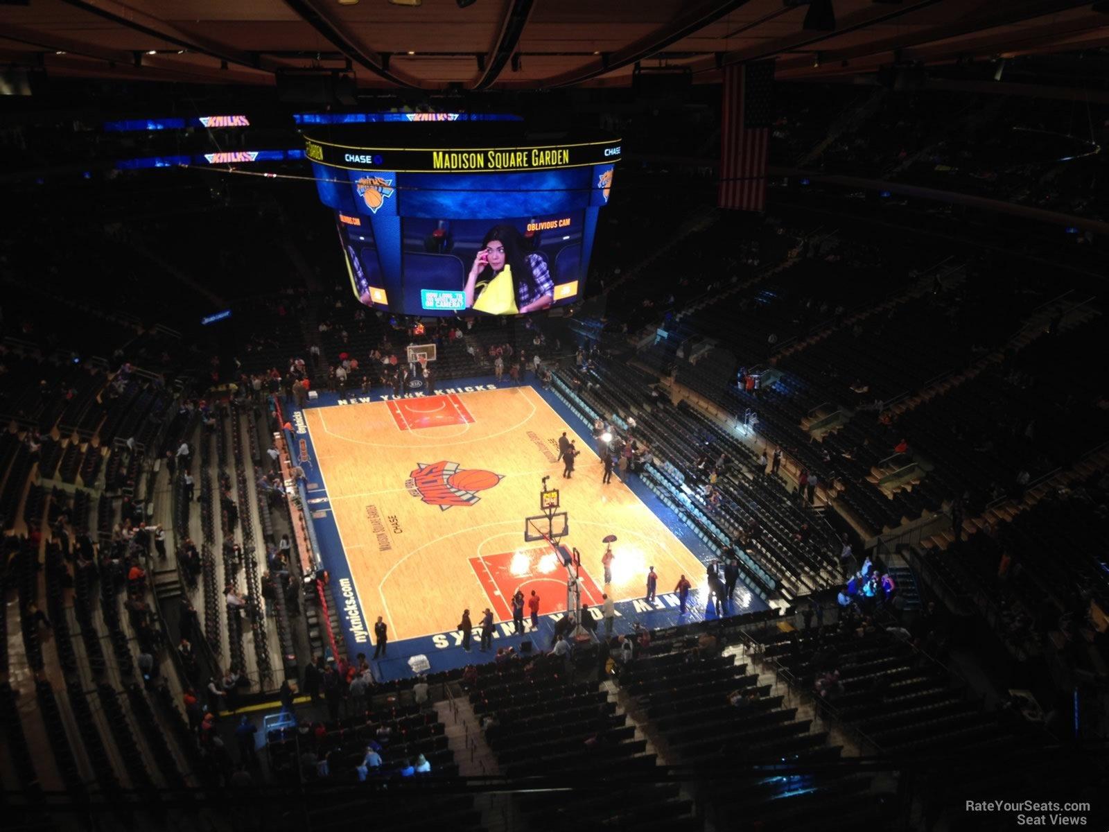 Madison Square Garden Section 319 New York Knicks