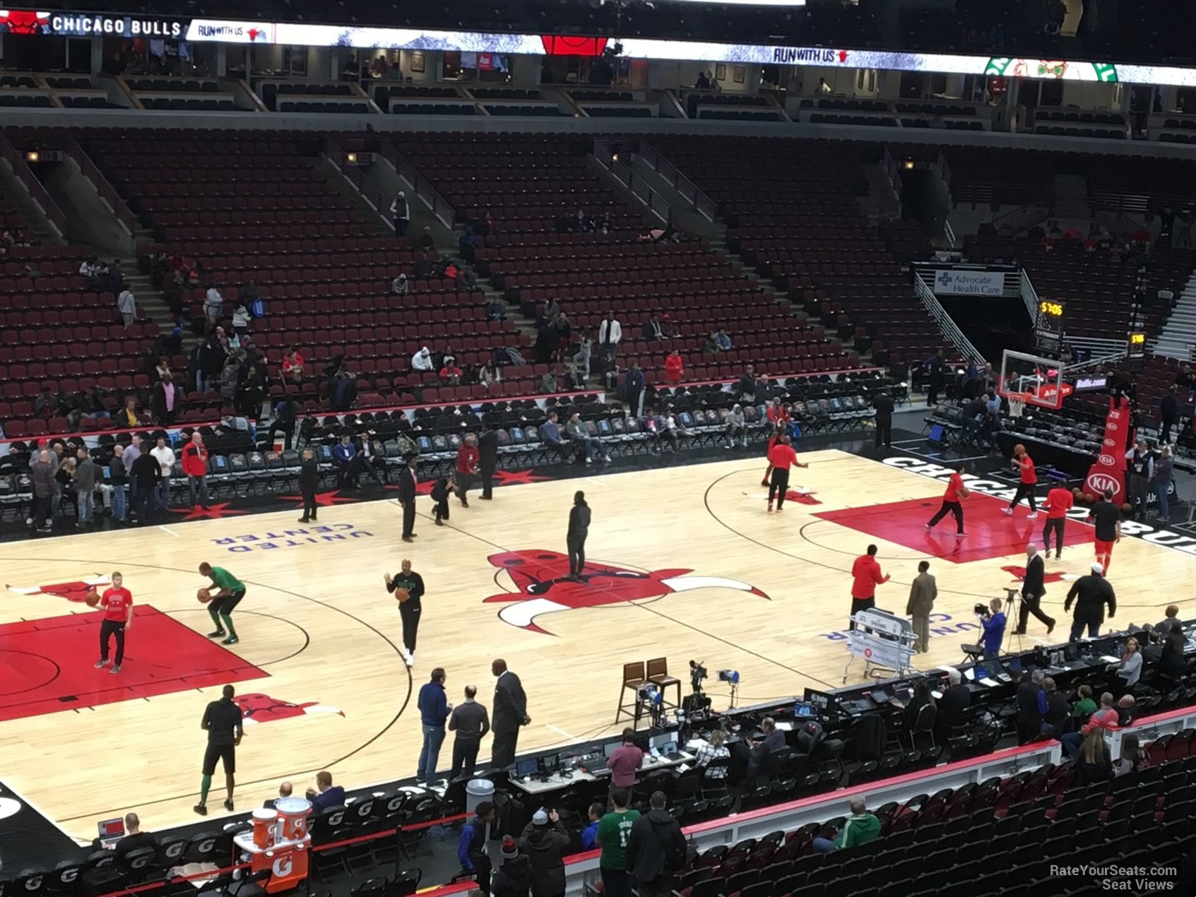 Exterior: United Center Section 204