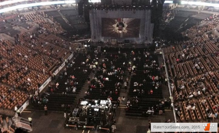 Are Loge Seats Better Than Floor Seats For Miley Cyrus Concert At TD Garden?