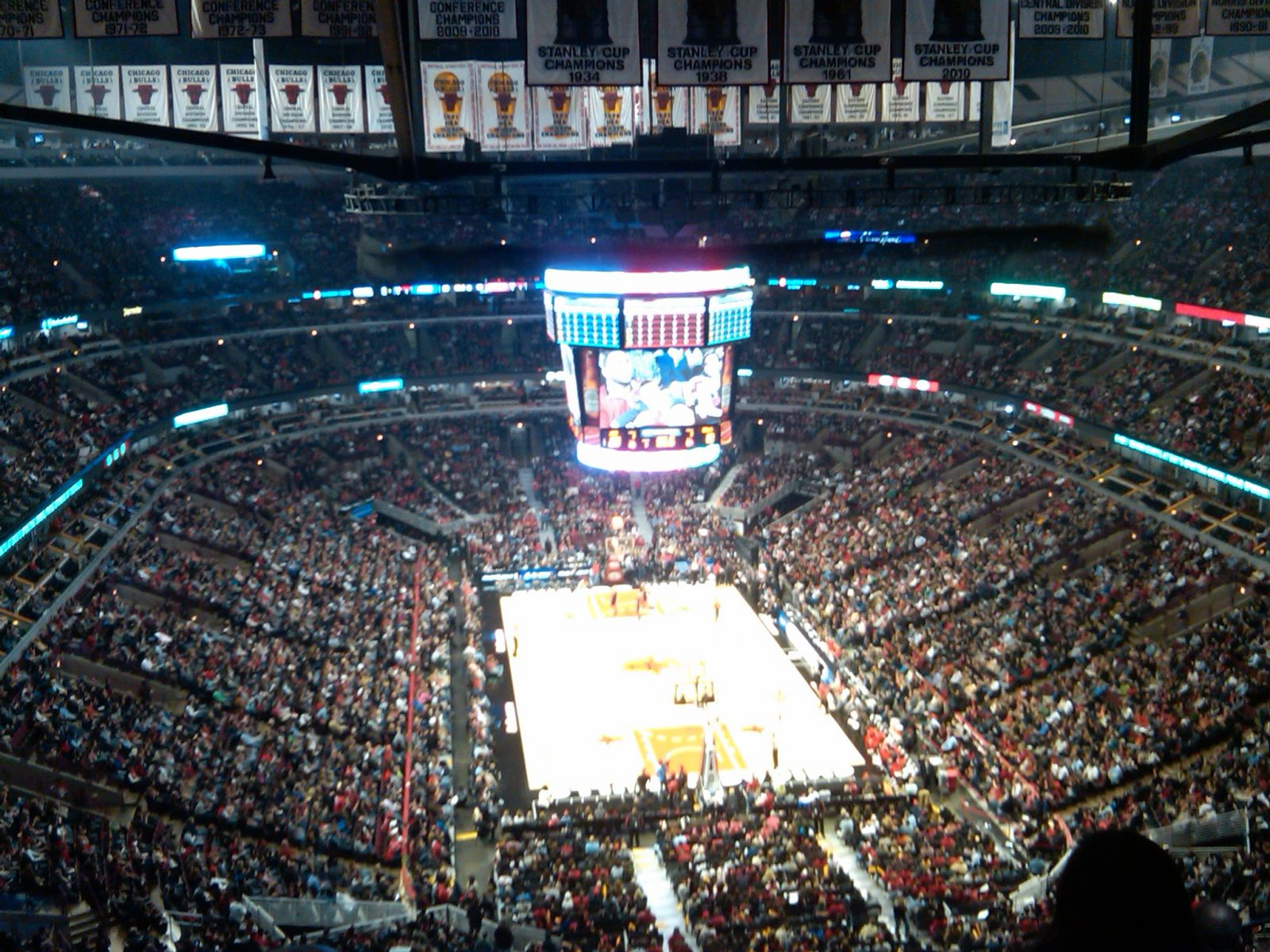 Chicago Bulls Seat View for United Center Section 310, Row 15, Seat 8