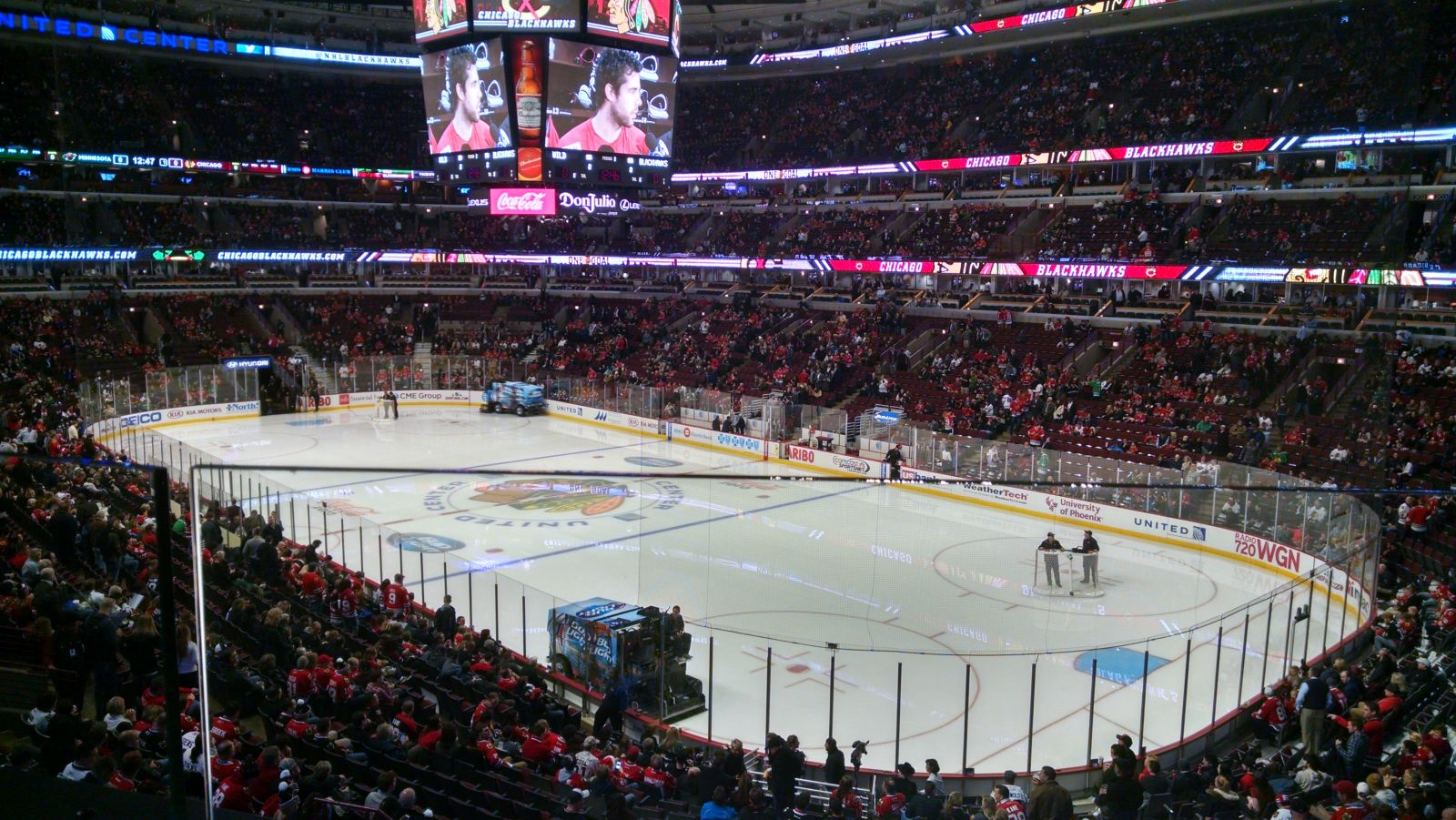 Chicago Blackhawks Seat View for United Center Section 213, Row 1, Seat 6