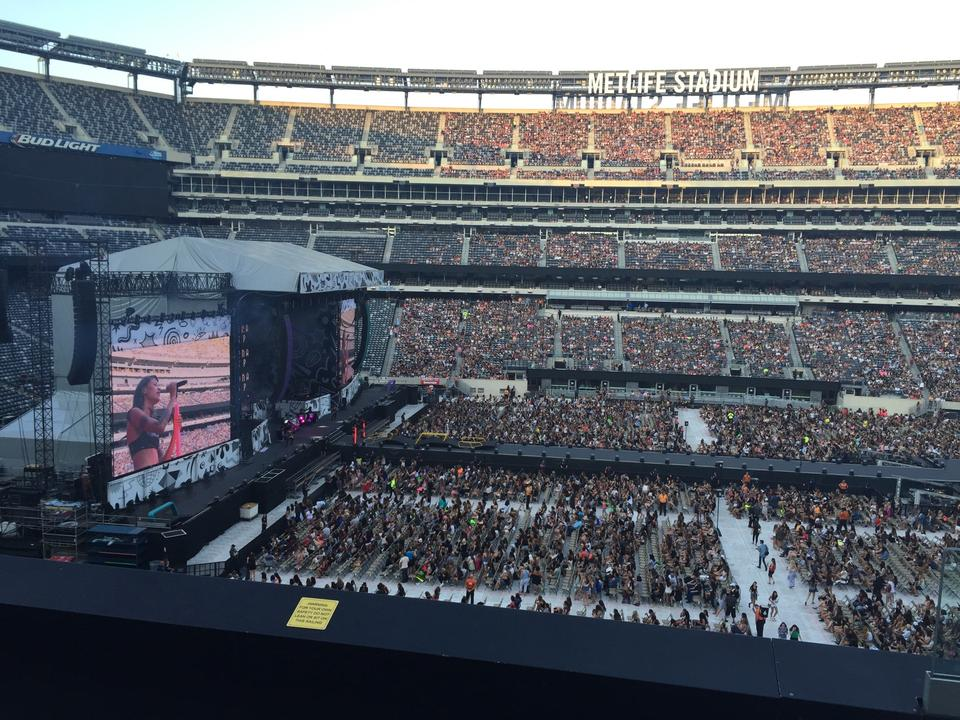 Concert Seat View For Metlife Stadium Section 240 Row 1