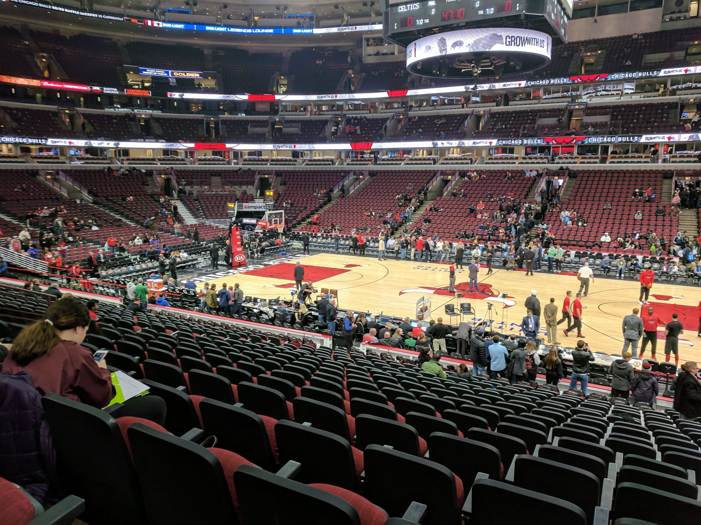 Chicago Bulls Seat View for United Center Section 122, Row 18, Seat 1
