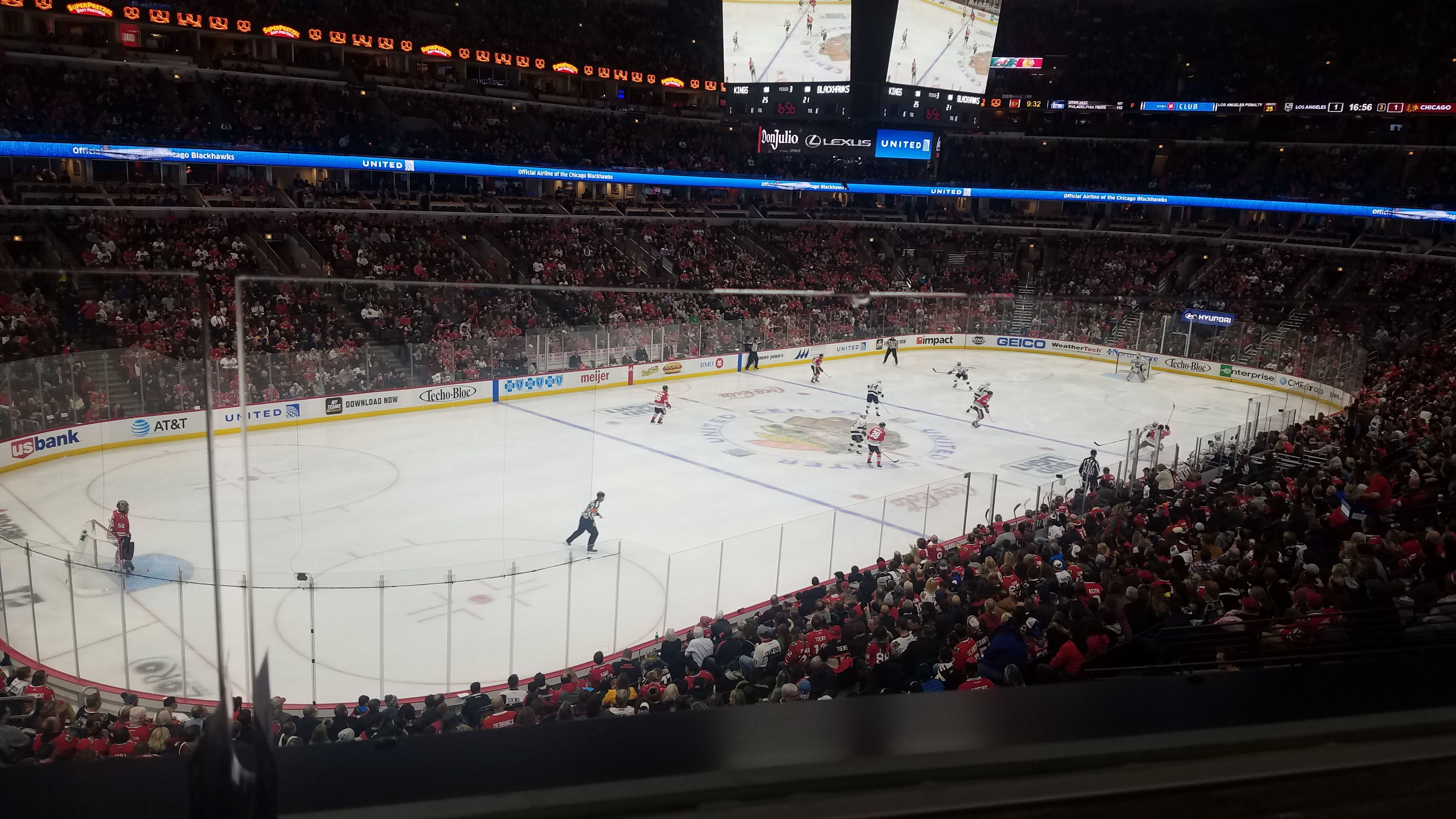 Chicago Blackhawks Seat View for United Center Section 204, Row 1