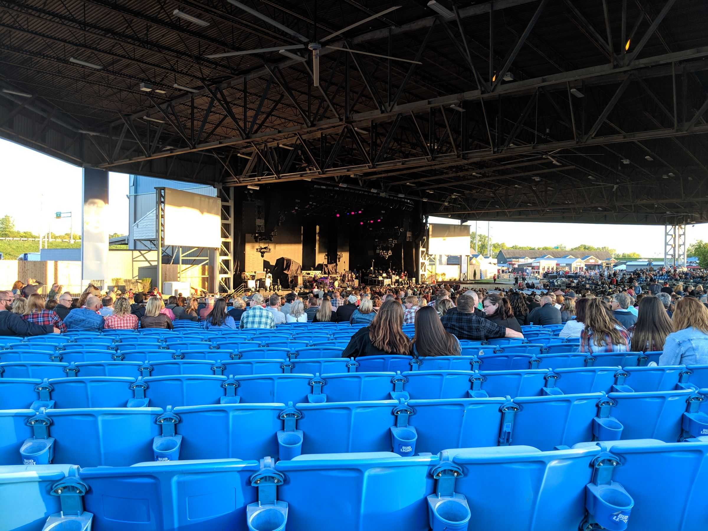 Concert Seat View for Hollywood Casino Amphitheatre St. Louis Section Left, Row UU, Seat 28