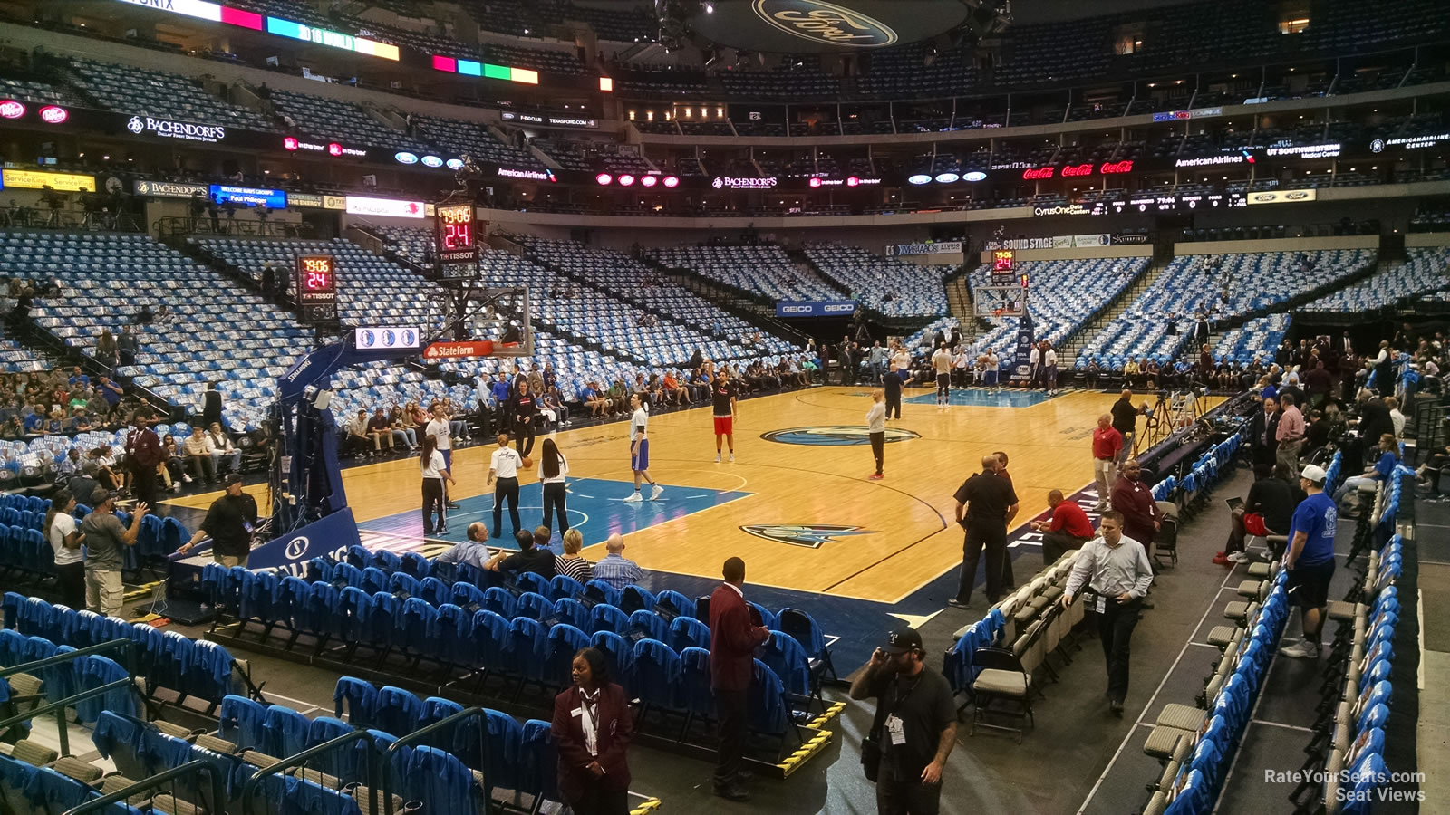Dallas Mavericks Seat View for American Airlines Center Section 122, Row B