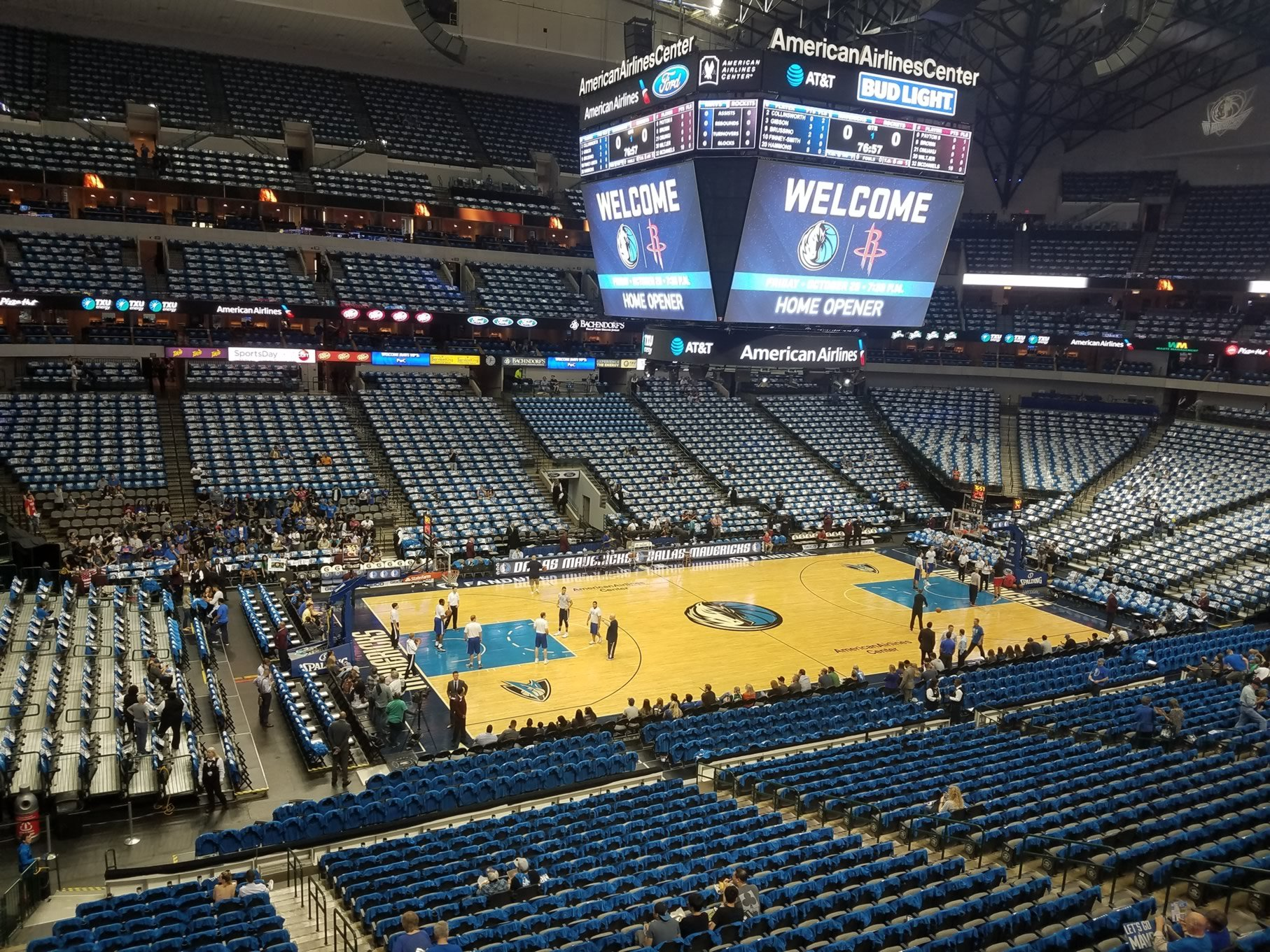 Dallas Mavericks Seat View for American Airlines Center Section 212, Row A