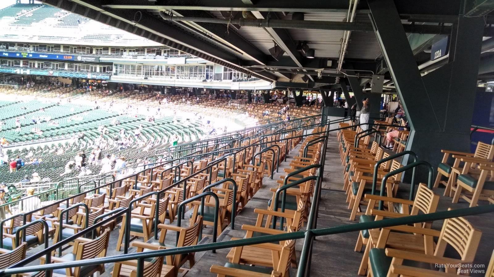 Comerica park tiger den 134 detroit tigers for Motor city casino parking