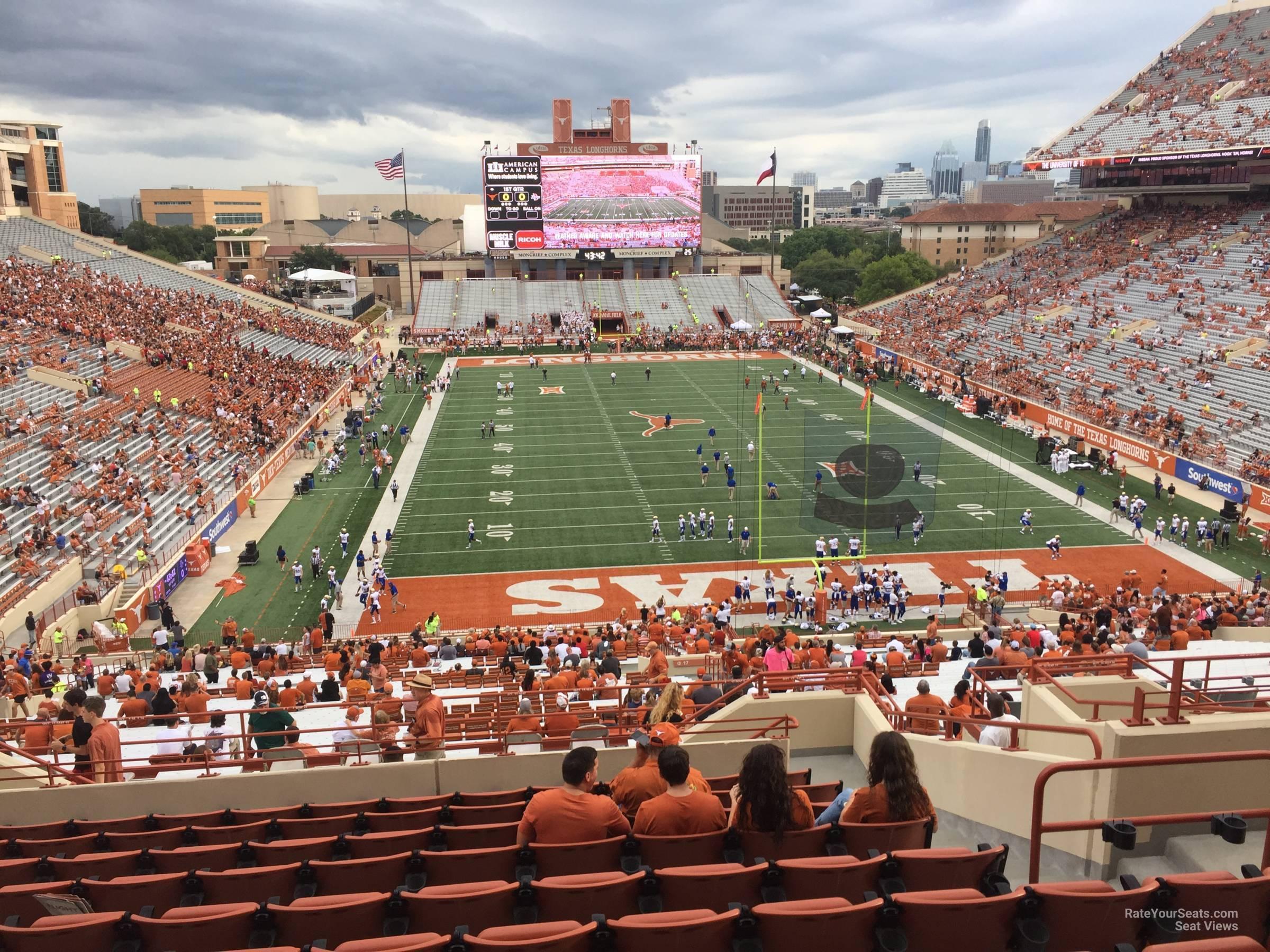 Touchdown Club 17 seat view