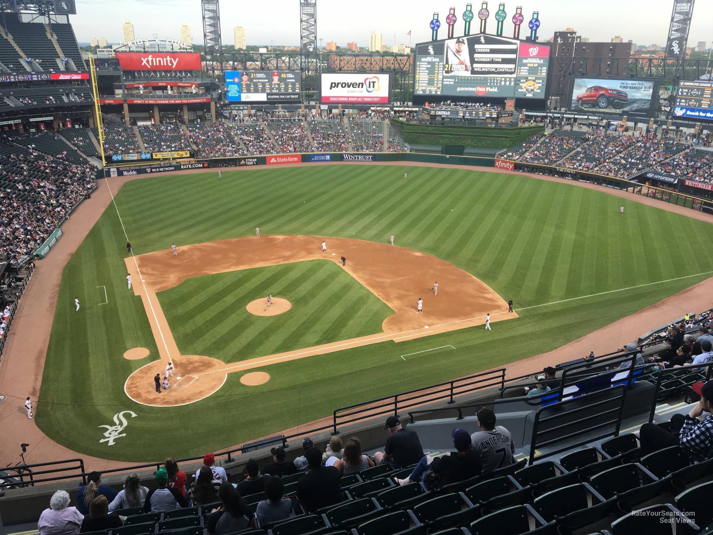 Guaranteed Rate Field Section 528 - RateYourSeats.com