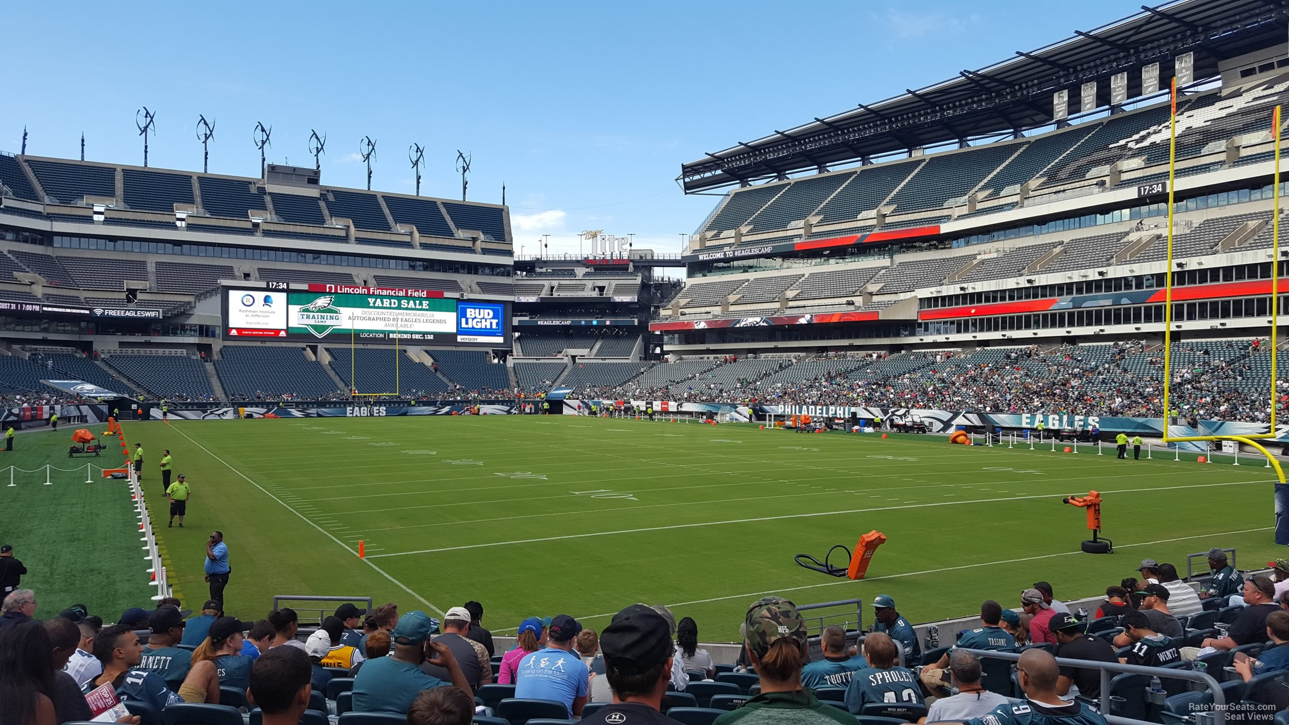 lincoln financial field Buy photos of the iconic lincoln financial field, home of the philadelphia eagles.