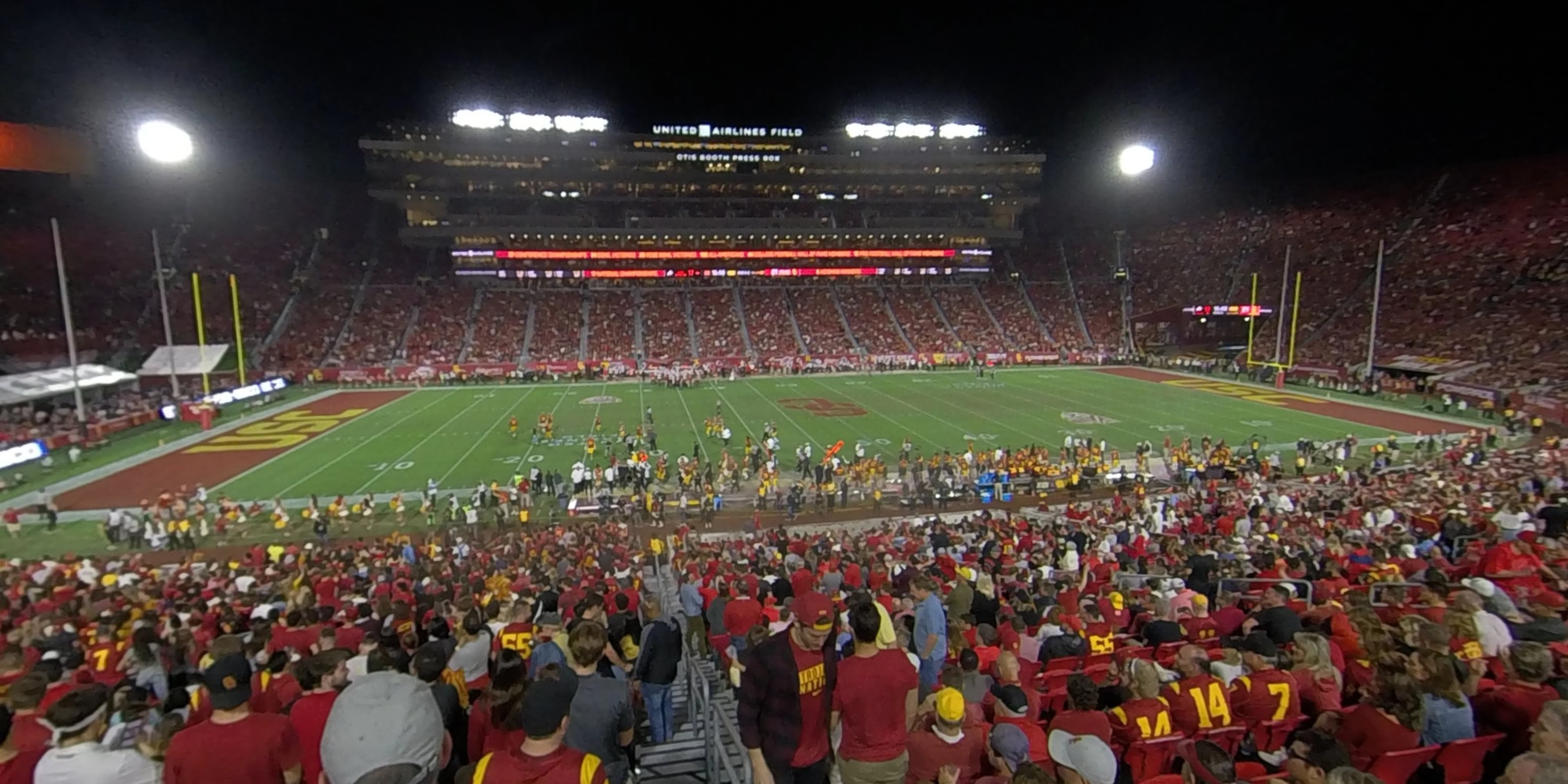 360° Photo From Los Angeles Memorial Coliseum Section 122B
