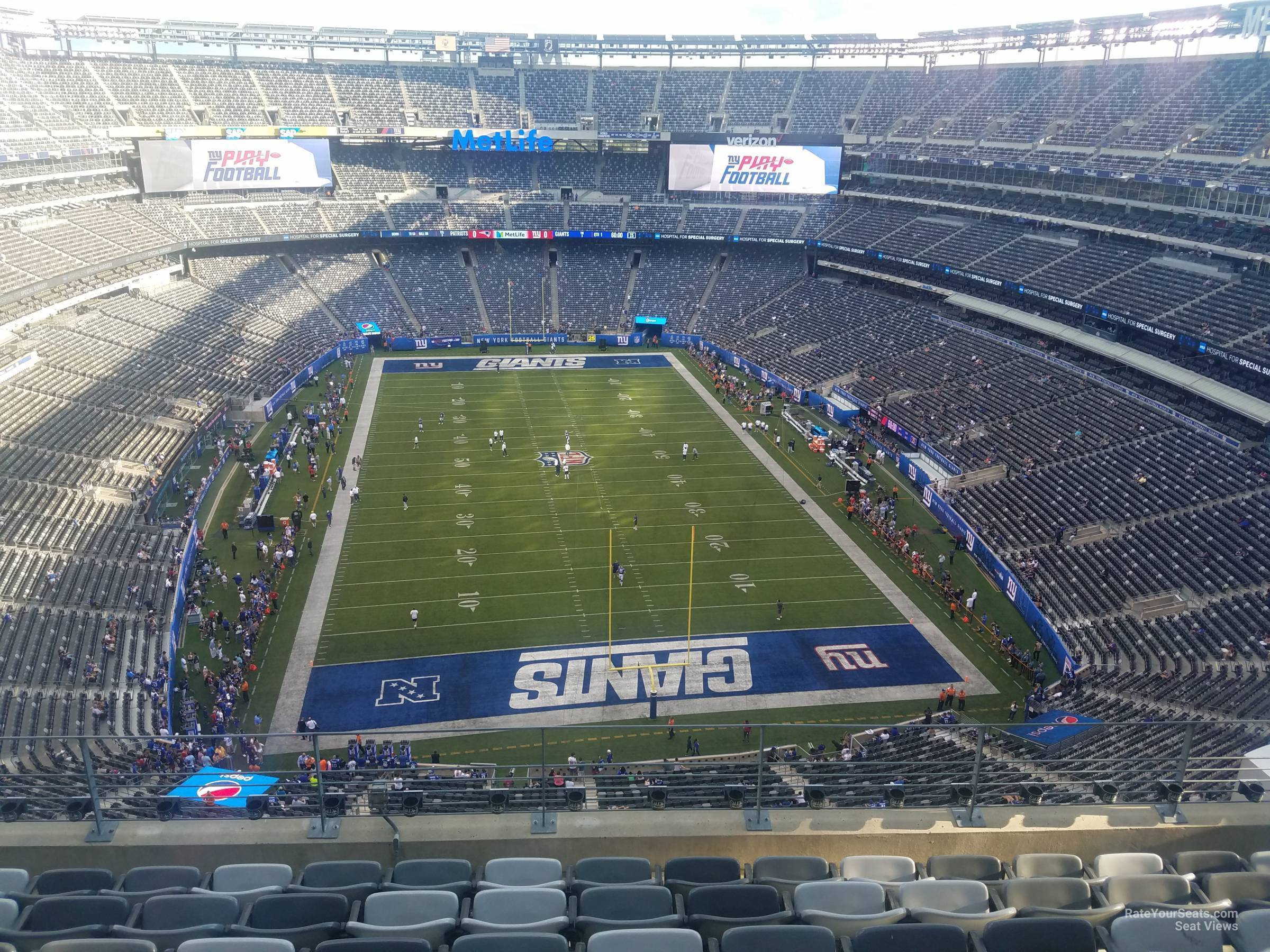 0b4c53a9f MetLife Stadium Section 302 - Giants Jets - RateYourSeats.com