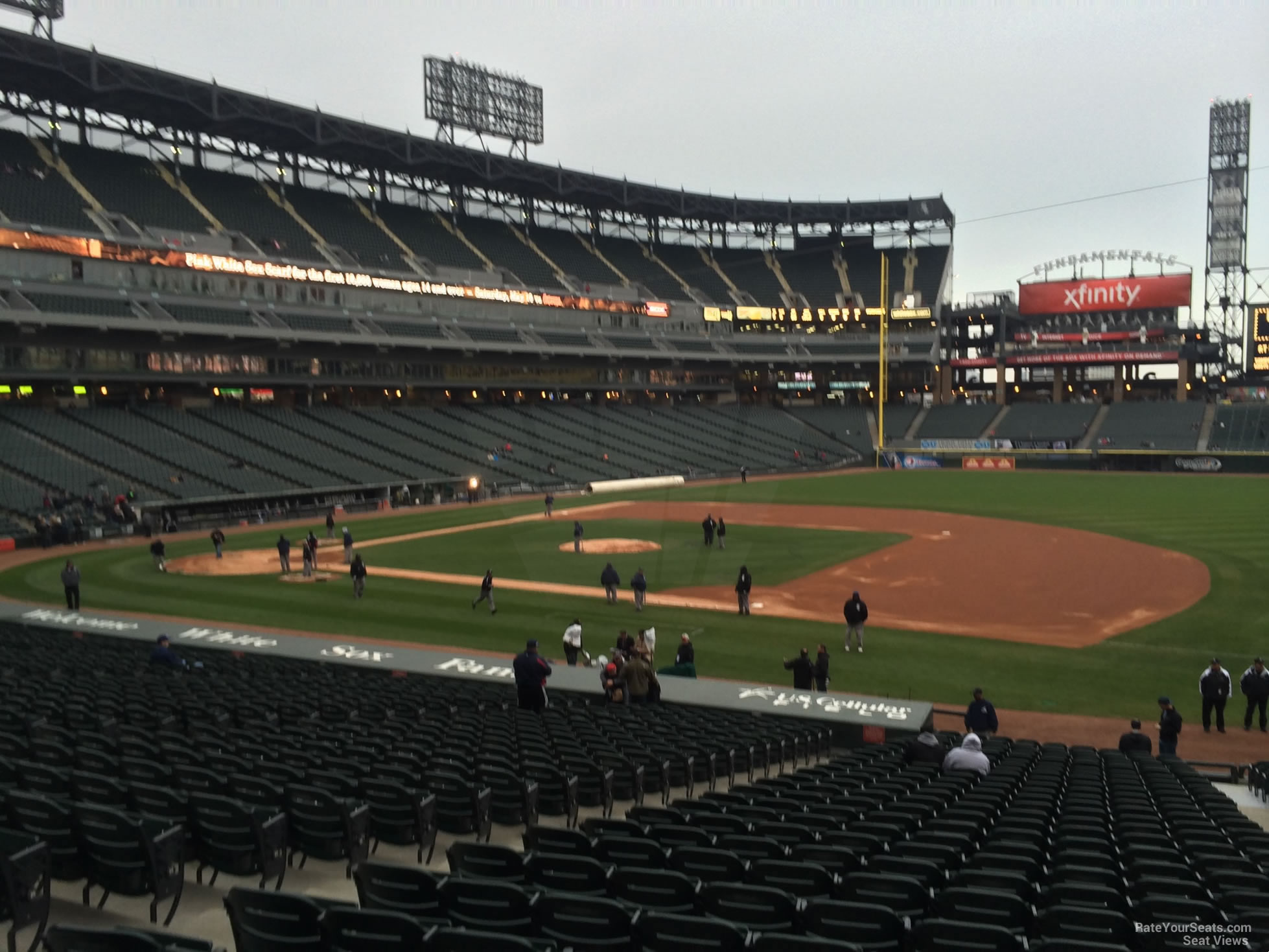 Guaranteed Rate Field Section 121 - RateYourSeats.com