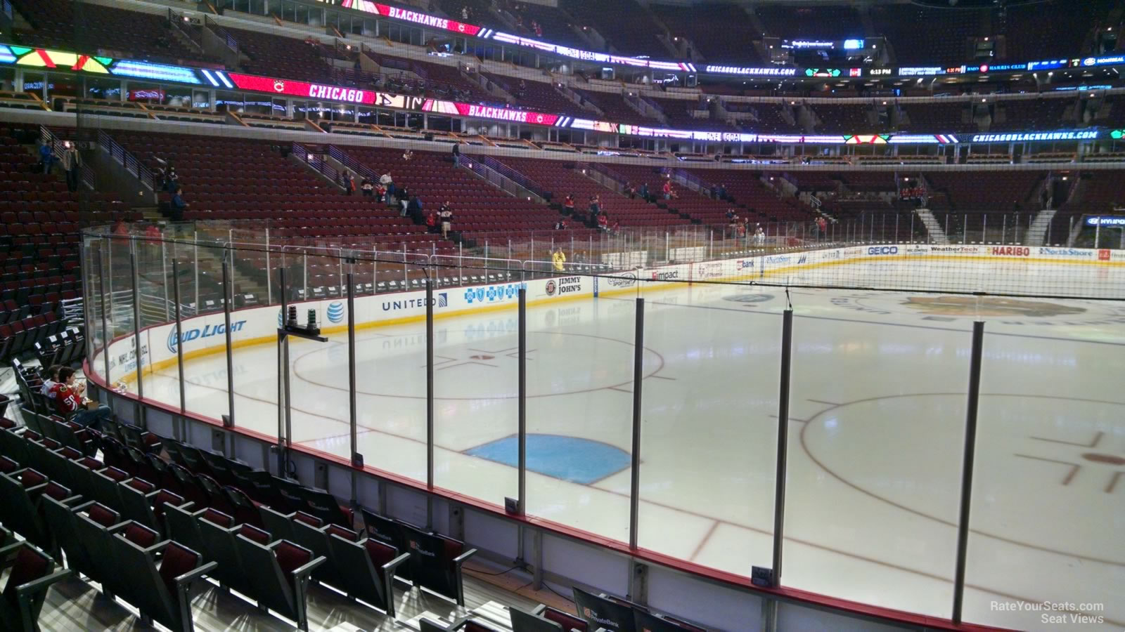center united section row seat blackhawks level seating nhl sections rateyourseats hockey ice chicago behind seats