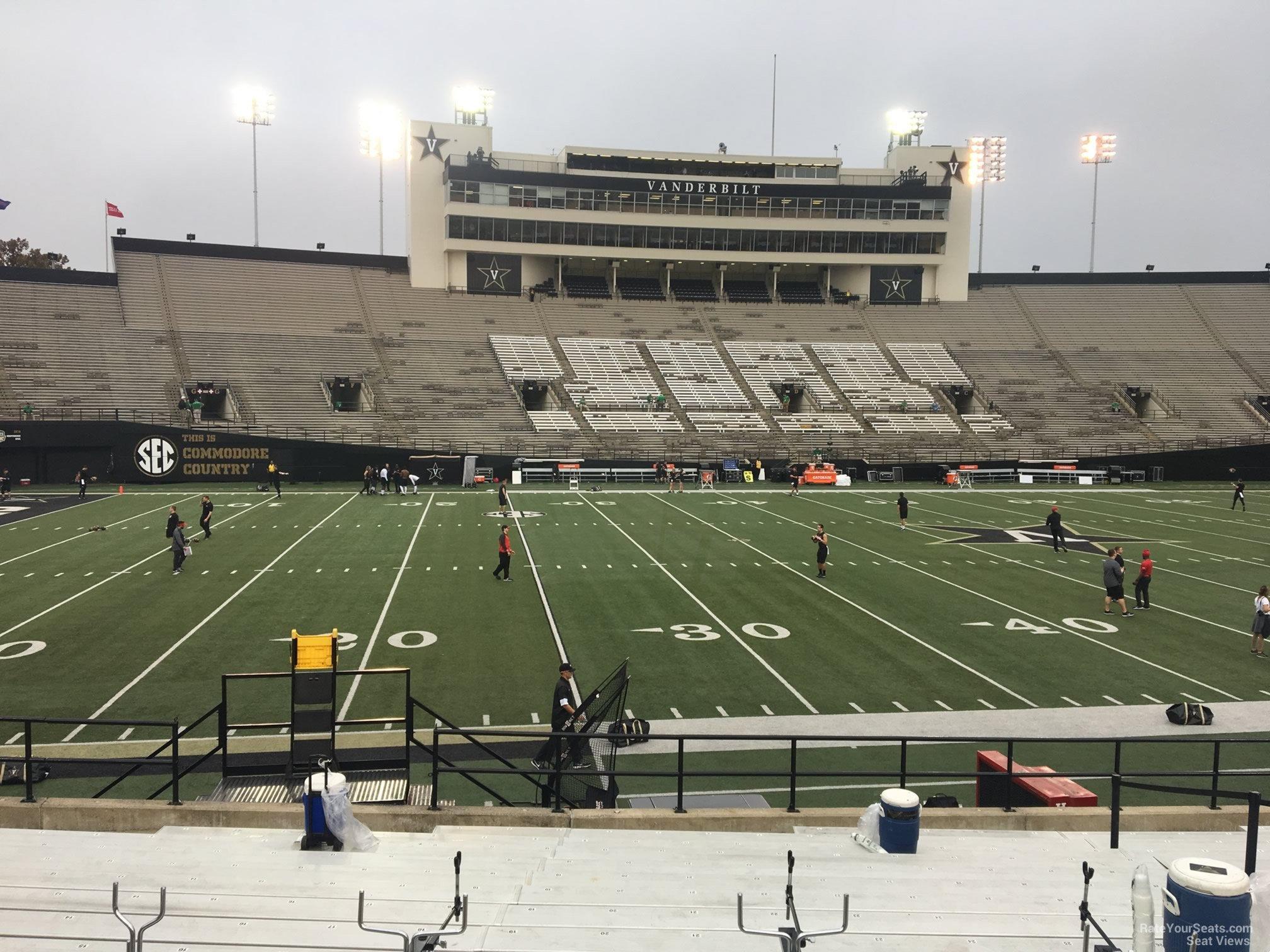 93d5fc13 Vanderbilt Stadium Section R - RateYourSeats.com