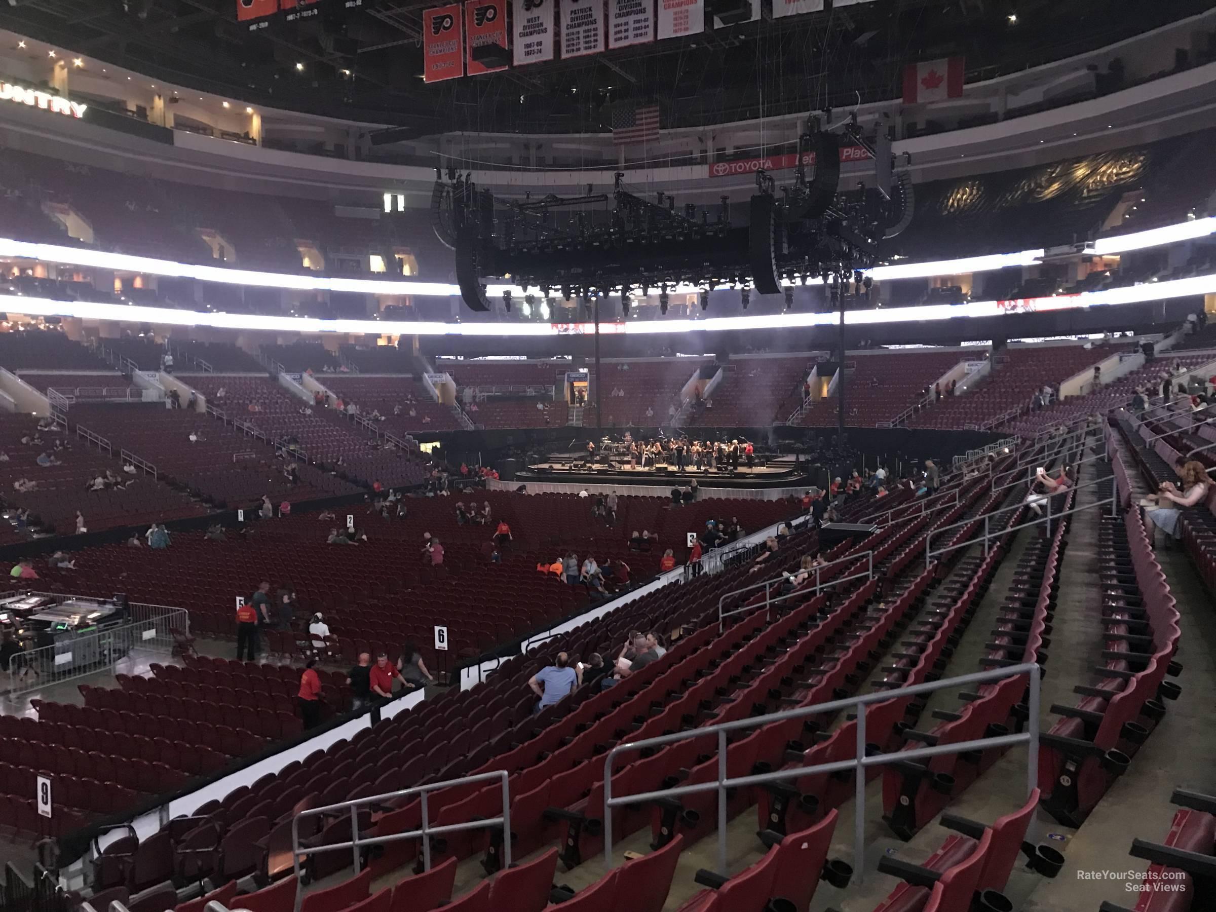 Wells Fargo Center Concert Section 109 Row 17 on 5 3 2018 FL