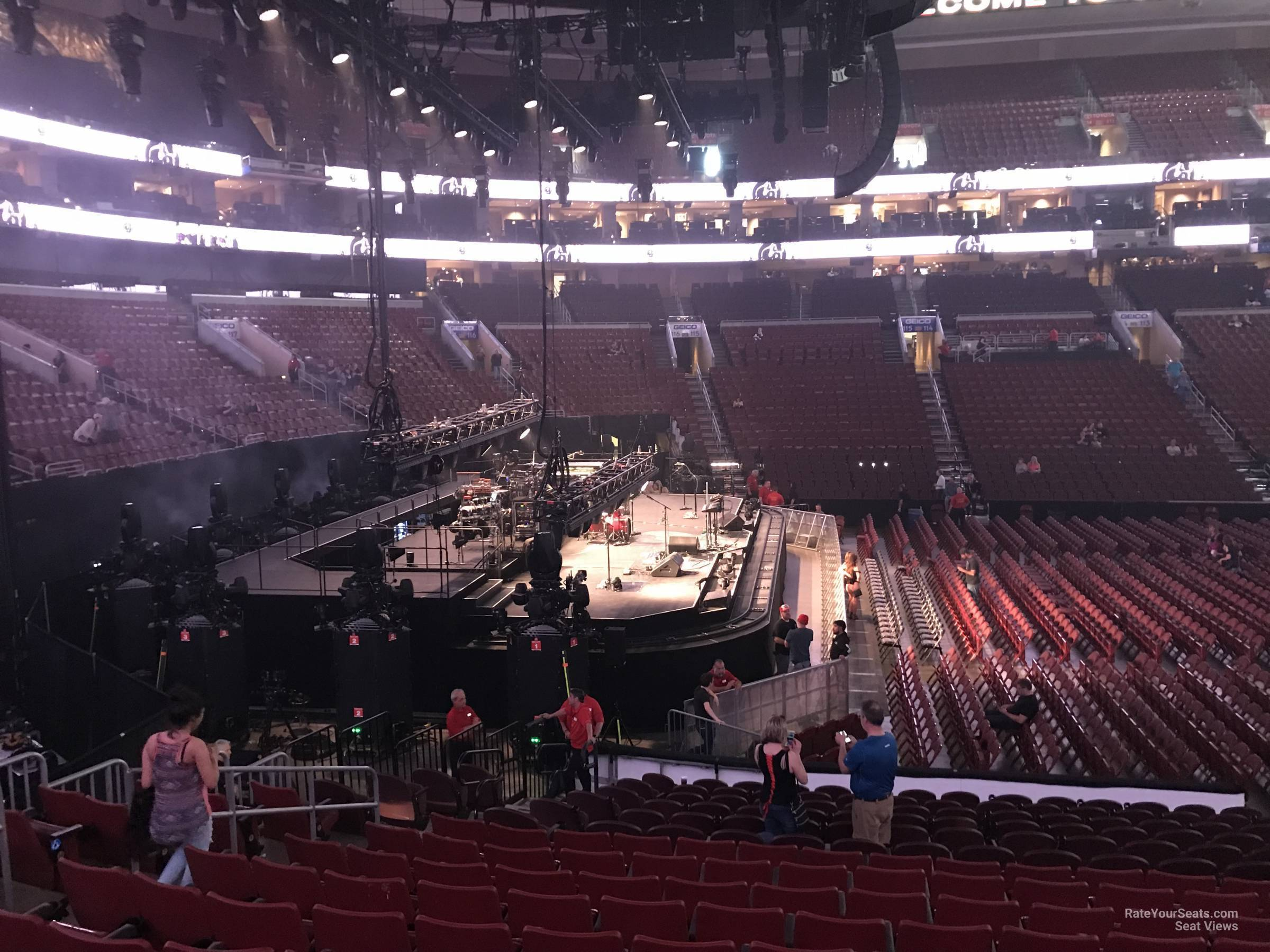 Wells Fargo Center Concert Section 123 Row 17 on 5 3 2018 FL