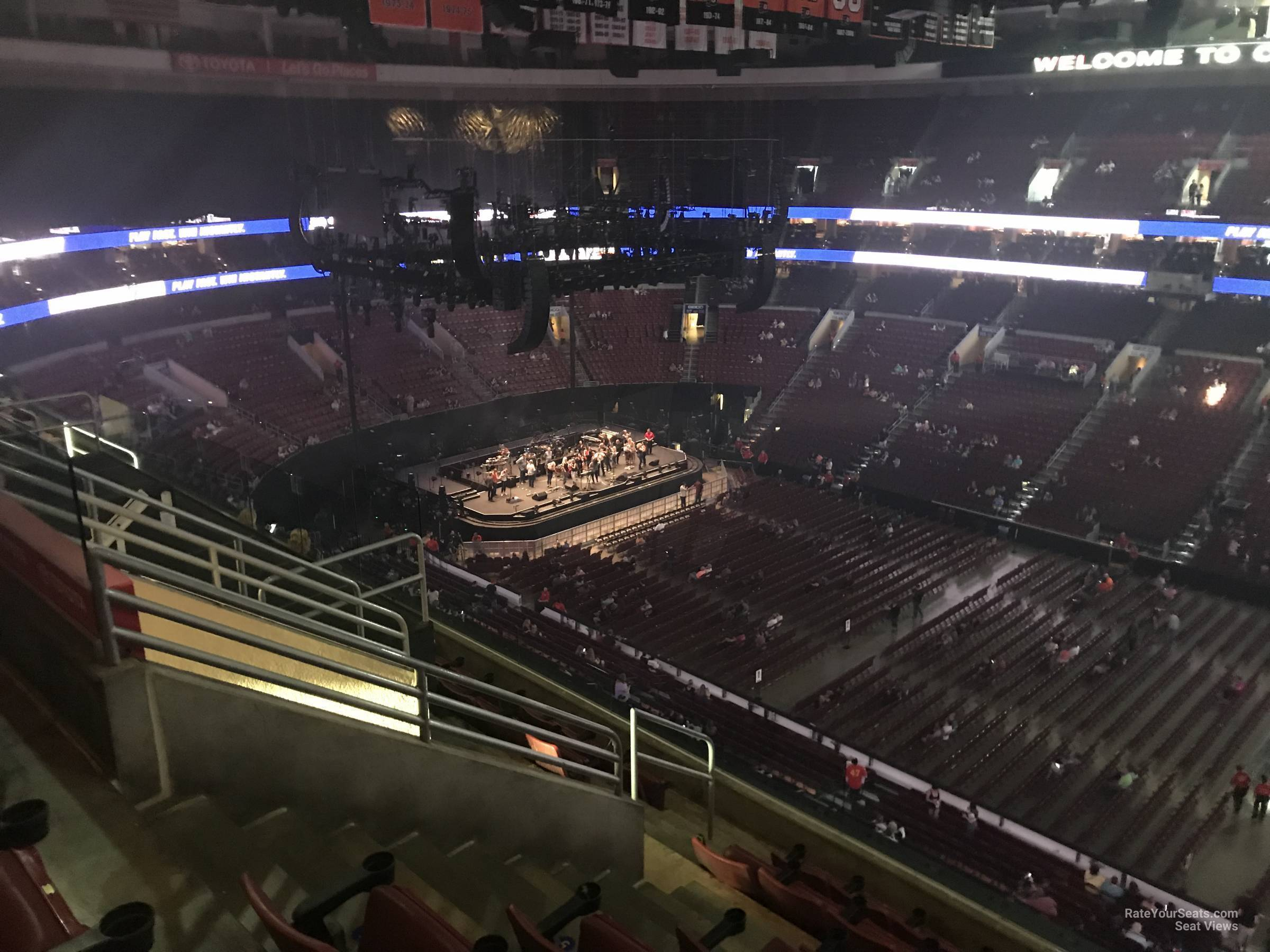 Wells Fargo Center Concert Section 203 Row 7 on 5 3 2018 FL
