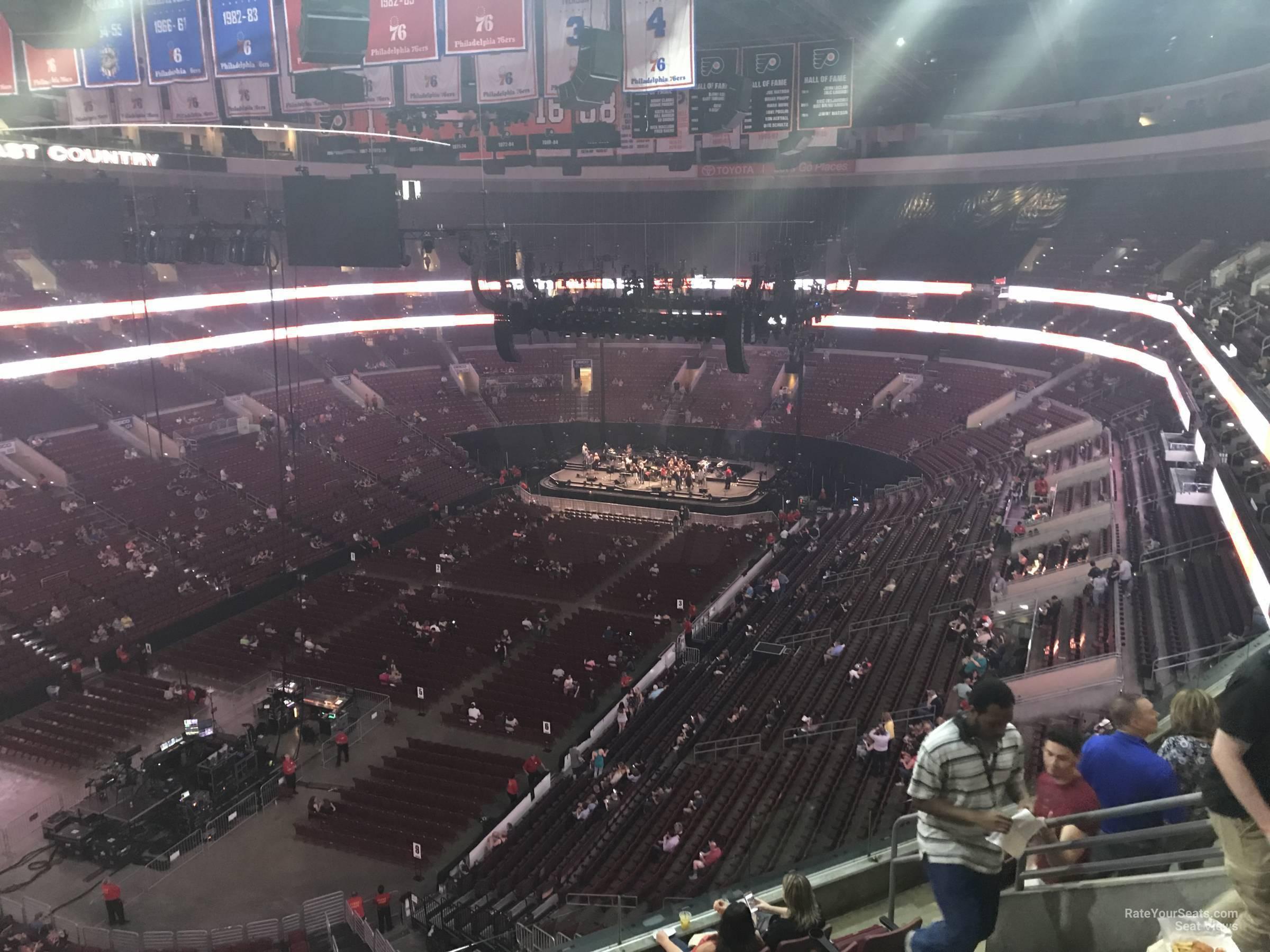 Wells Fargo Center Concert Section 209A Row 7 on 5 3 2018 FL