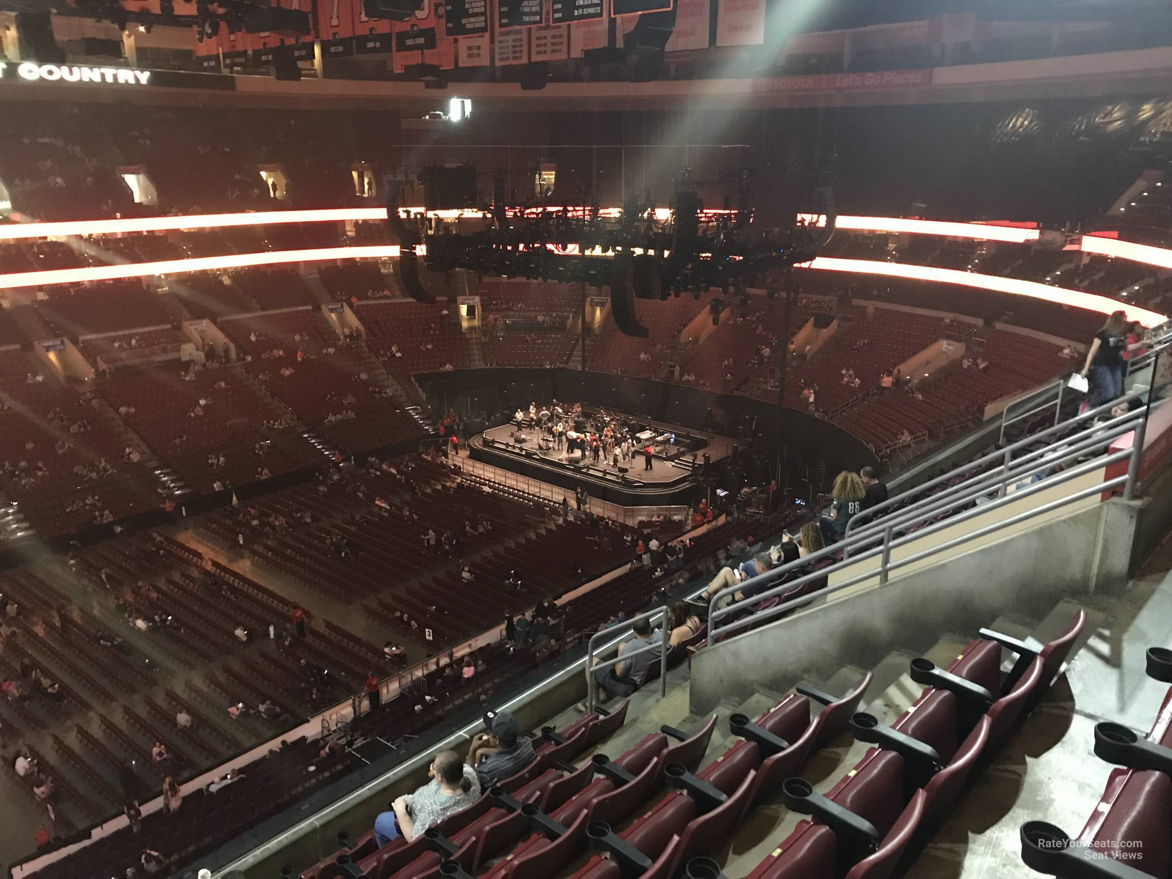 Wells Fargo Center Concert Section 211 Row 7 on 5 3 2018 FL