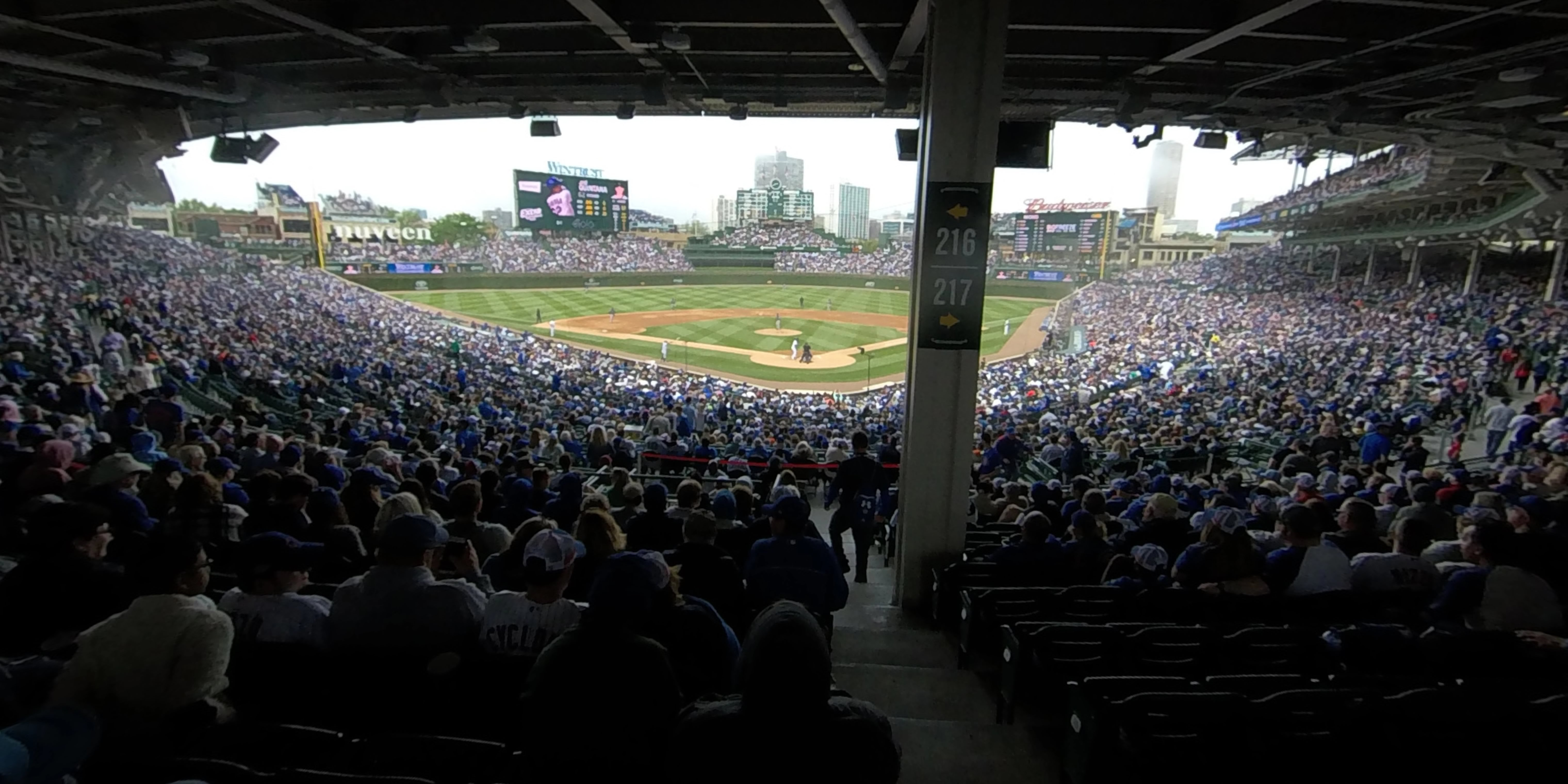 360° Photo From Wrigley Field Section 217