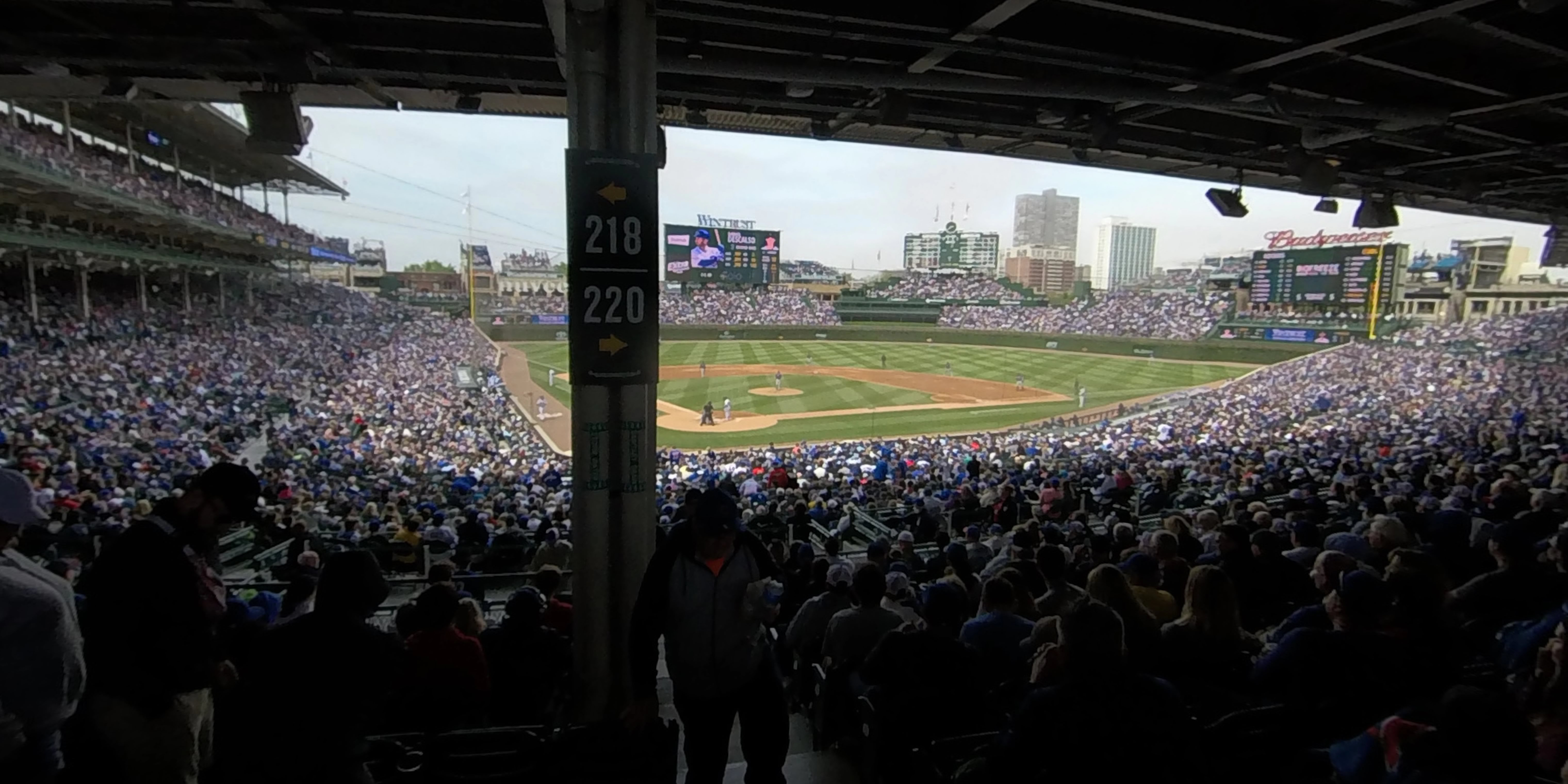 360° Photo From Wrigley Field Section 220