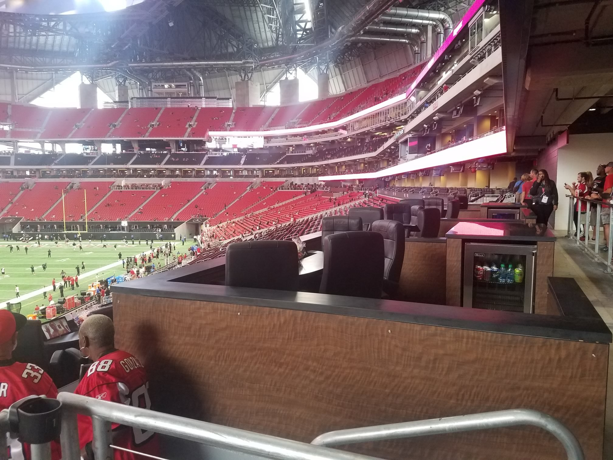 Mezzanine seats mercedes benz stadium mercedesbenz stadium for Mercedes benz stadium suite prices