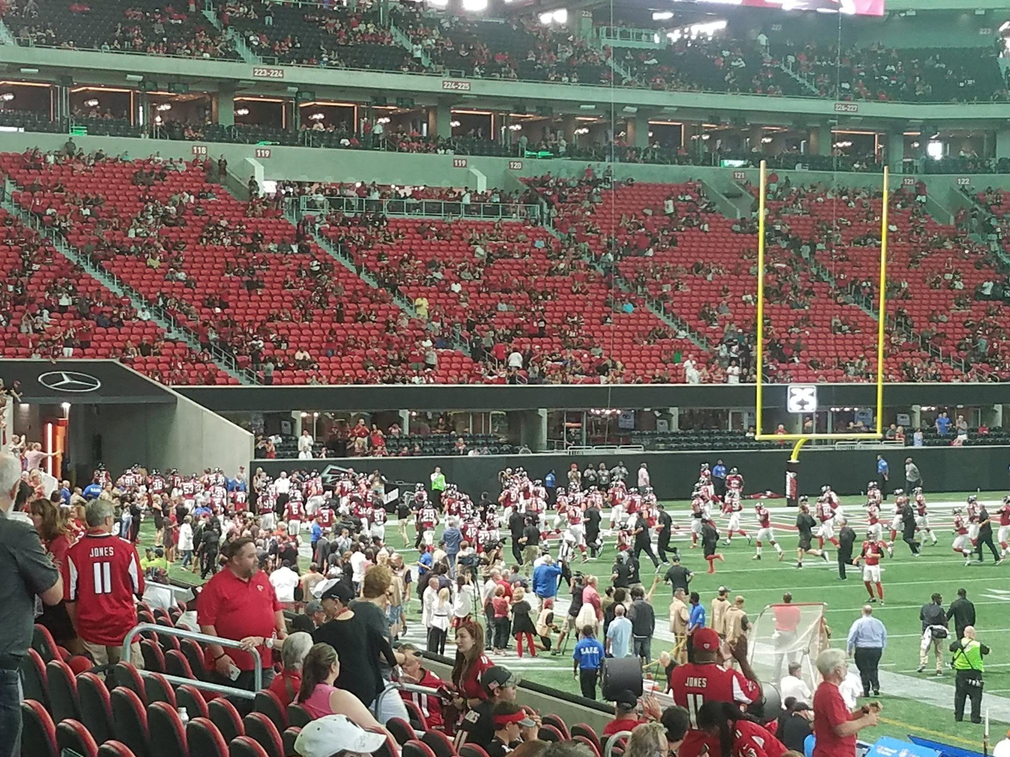 Atlanta falcons seating guide mercedes benz stadium for Falcons mercedes benz stadium